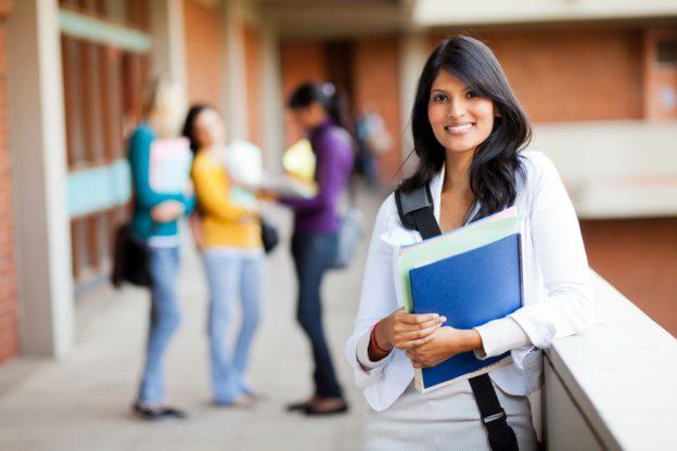 Os 4 melhores cursos de extensão para profissionais de logística