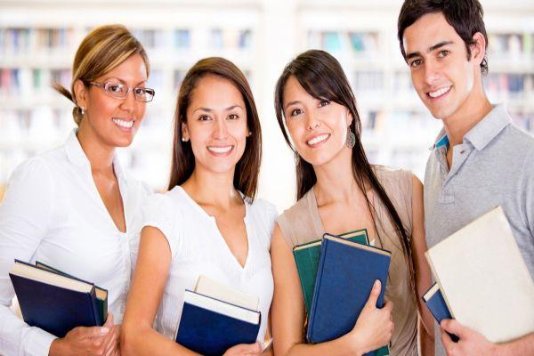 Alunos de cursos de extensão para profissionais de logística