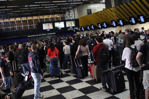 Movimentação no aeroporto.