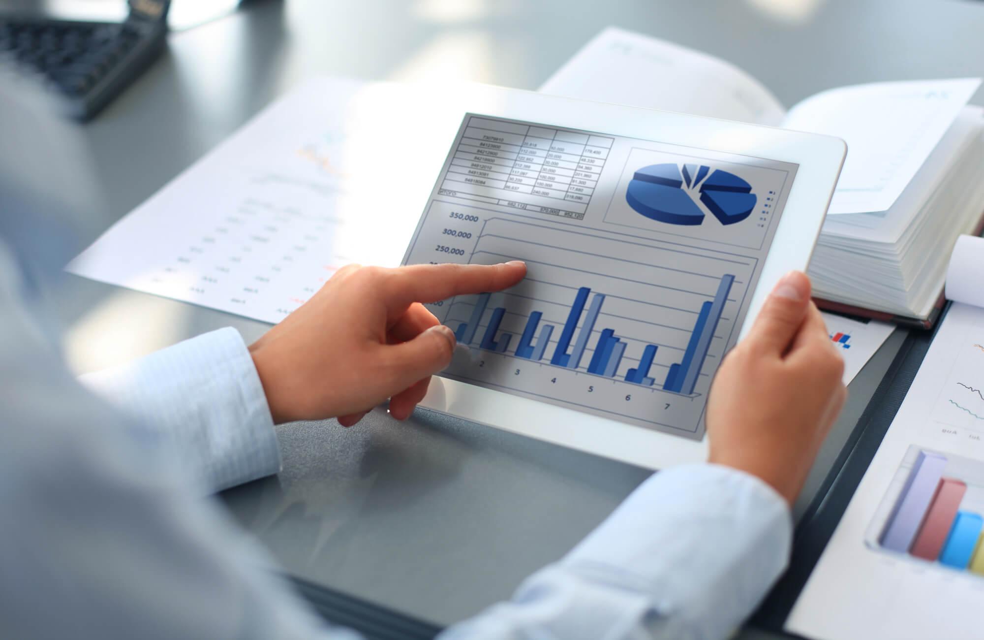 Como o benchmarking pode ajudar as suas operações logísticas?