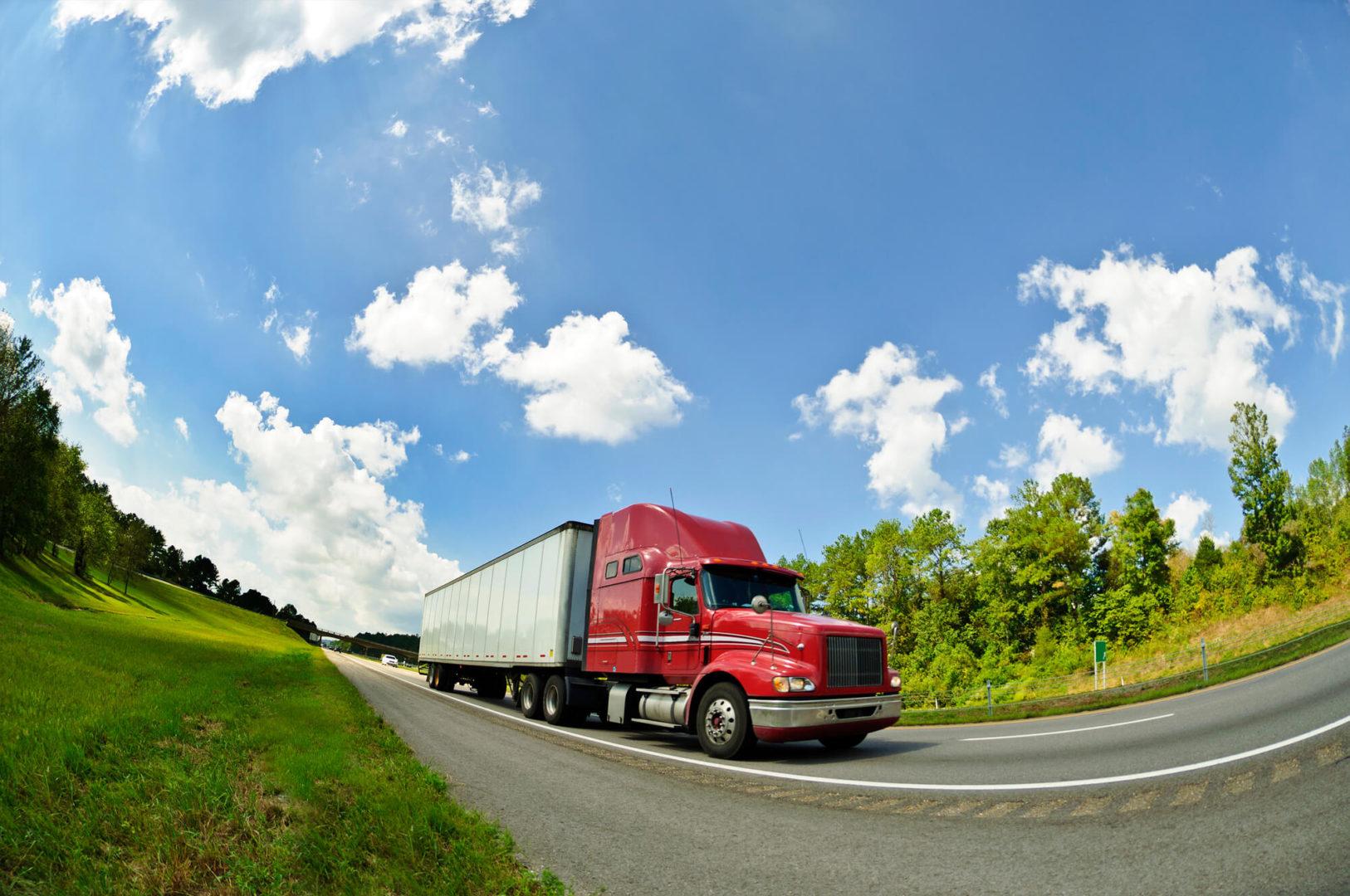 Caminhões são maiores emissores de carbono no setor de energia