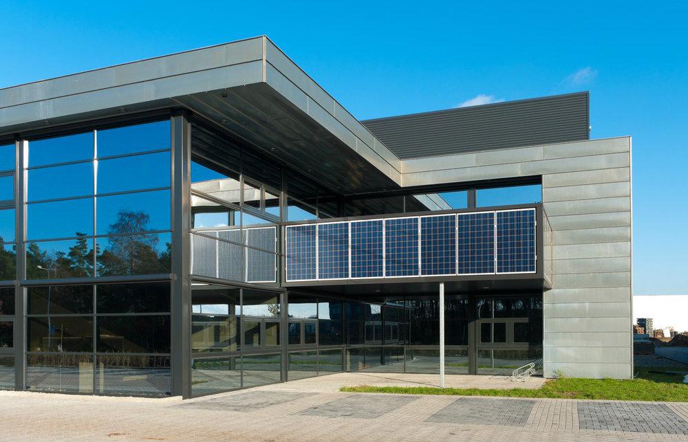 Descubra 5 vantagens da energia solar para empresas